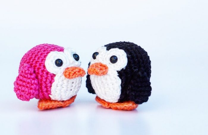 Kevin the Penguin crochet pattern - Amigurumi Today | 455x700